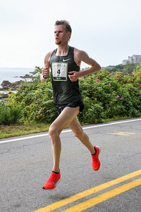 Robertson and Chebet Tuei win titles at TD Beach to Beacon 10K on Aug. 4 in Cape Elizabeth, Maine.