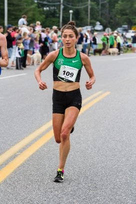 Alexi Pappas at 2014 TD Beach to Beacon (Kevin Morris photo).
